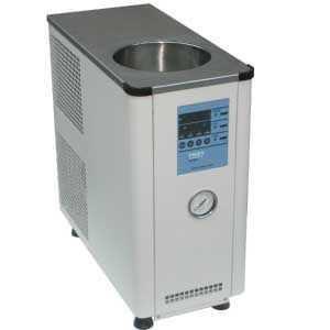 低温循环机
